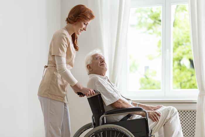 Медсестра с пациентом
